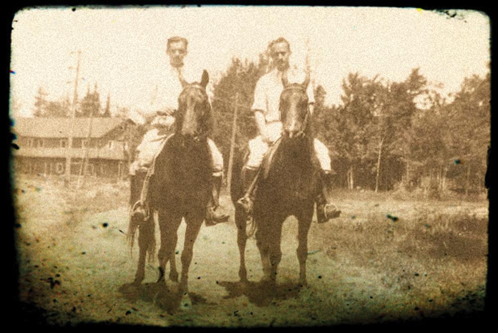 Horseback Riders at Hack-Ma-Tack Inn