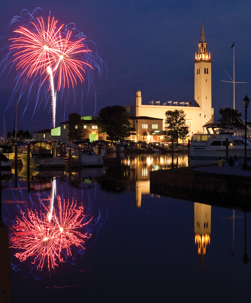 Grosse Pointe Yacht Club Fireworks