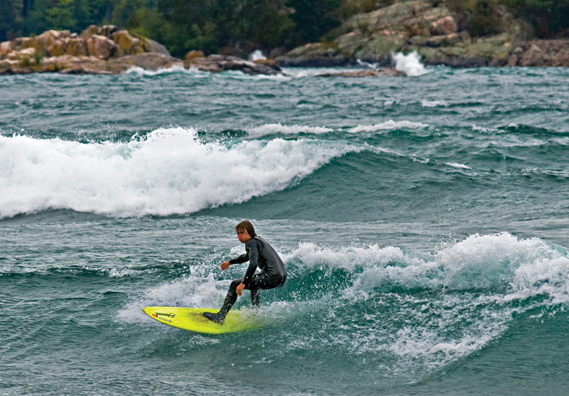 Advanced wetsuit technology is keeping surfers warm even on the coldest days on Lake Superior.