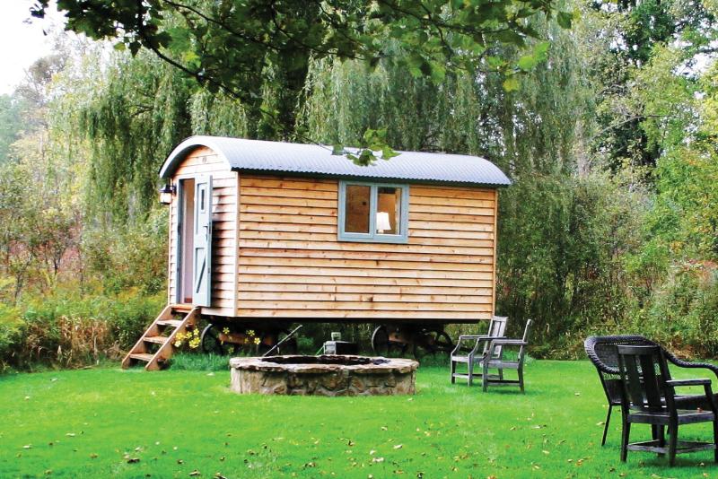 English shepherd hut - exterior
