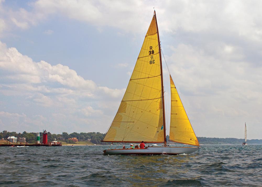 Racing Yacht Bernida