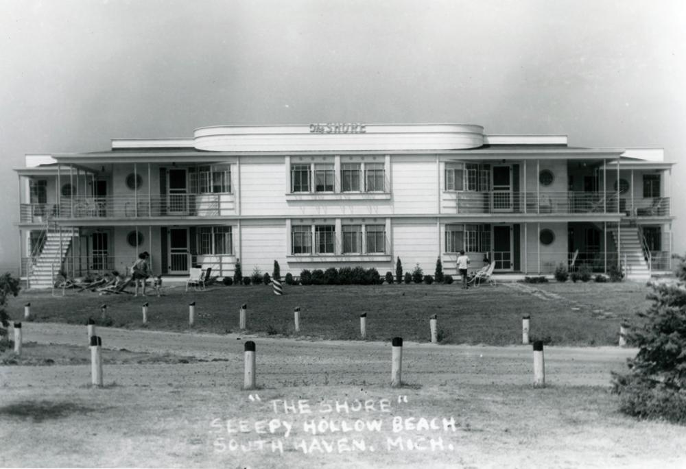Shore at Sleepy Hollow Beach